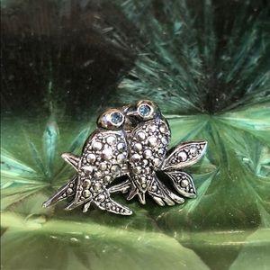 Adorable Silver Colored Bird Pin
